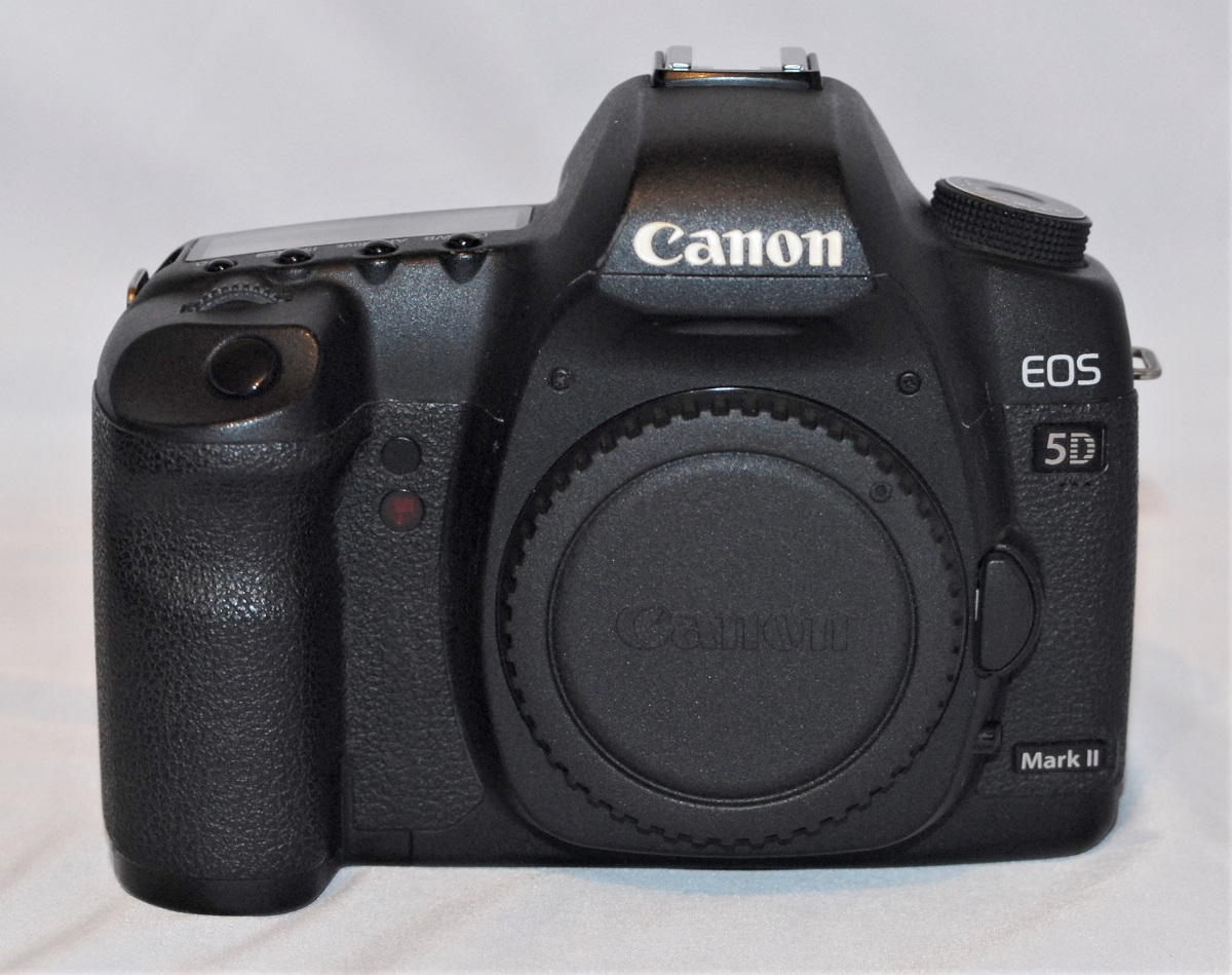 Canon EOS 5D Mk II. Excellent condition. (SOLD)