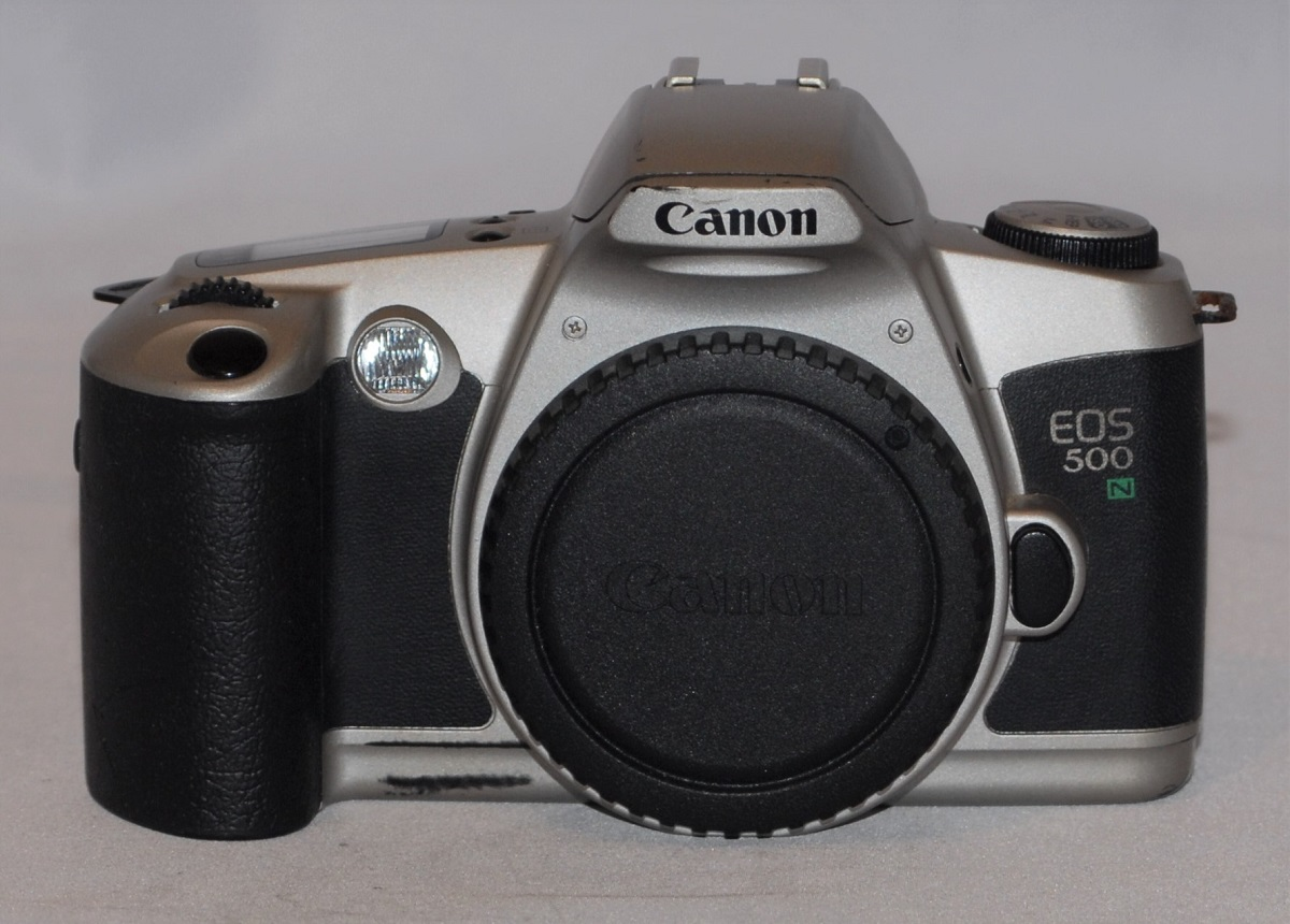 Canon EOS 500N. Excellent condition.