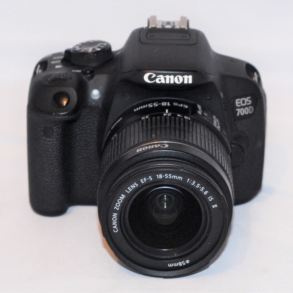 Canon EOS 700D +18-55mm f3.5-f.6 IS MkII. Excellent condition. SOLD