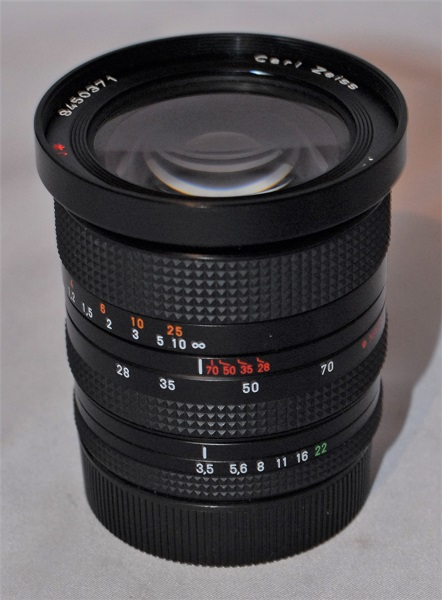 Carl Zeiss T* 28-70mm f3.5-f4.5.C/Y mount. (Near MINT condition)