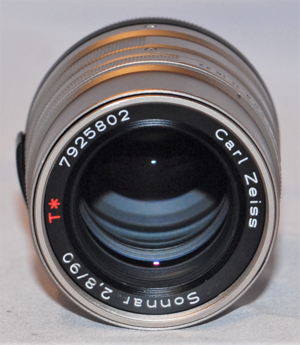 Zeiss Sonnar 90mm f2.8 for Contax G. Excellent condition.