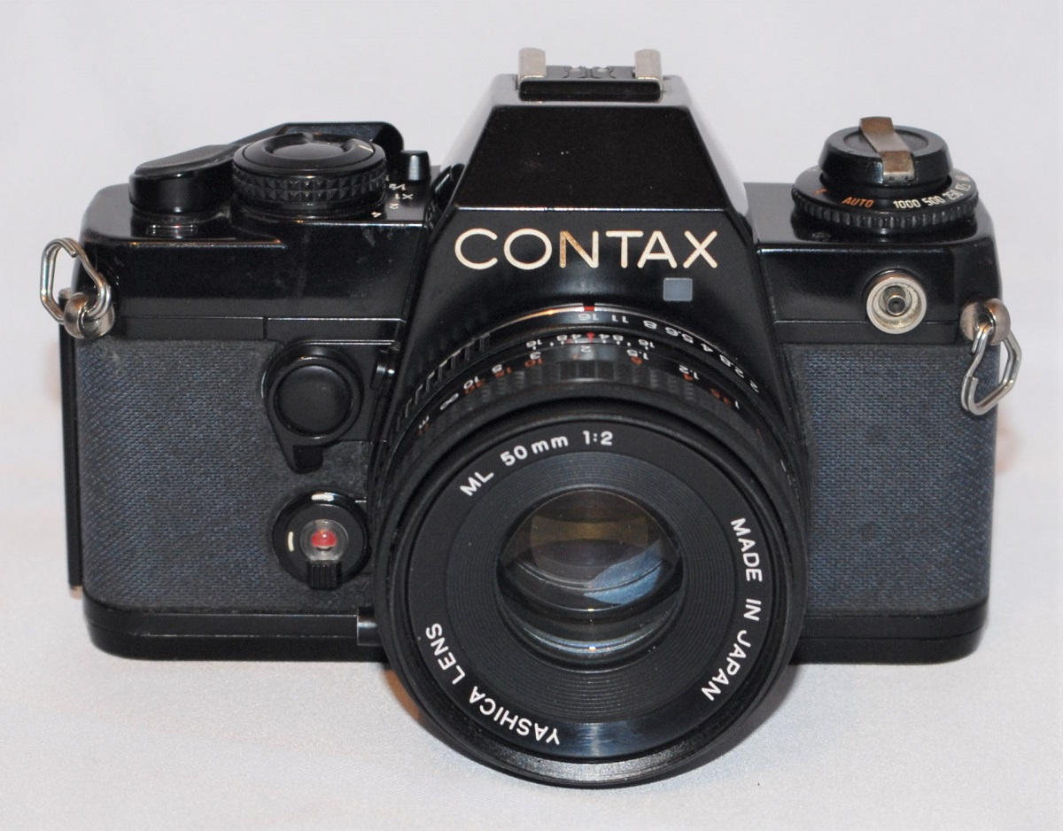 Contax 139 + Yashica 50mm f2 ML. Excellent condition. Includes case.