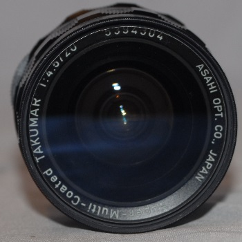 Pentax 20mm f4.5 + 2 caps and case