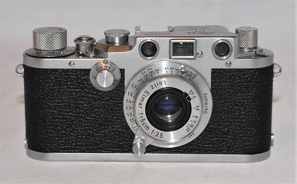 Leica IIIC + Elmar 5cm f3.5 + original case. Excellent condition.
