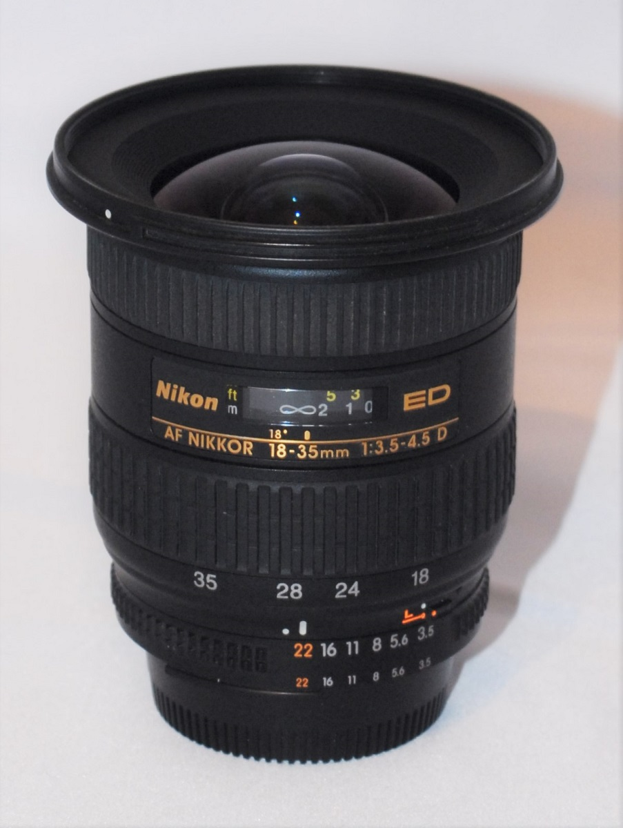 Nikkor 18-35mm f3.5-f4.5 D (IF) ED. Mint condition. (Boxed)