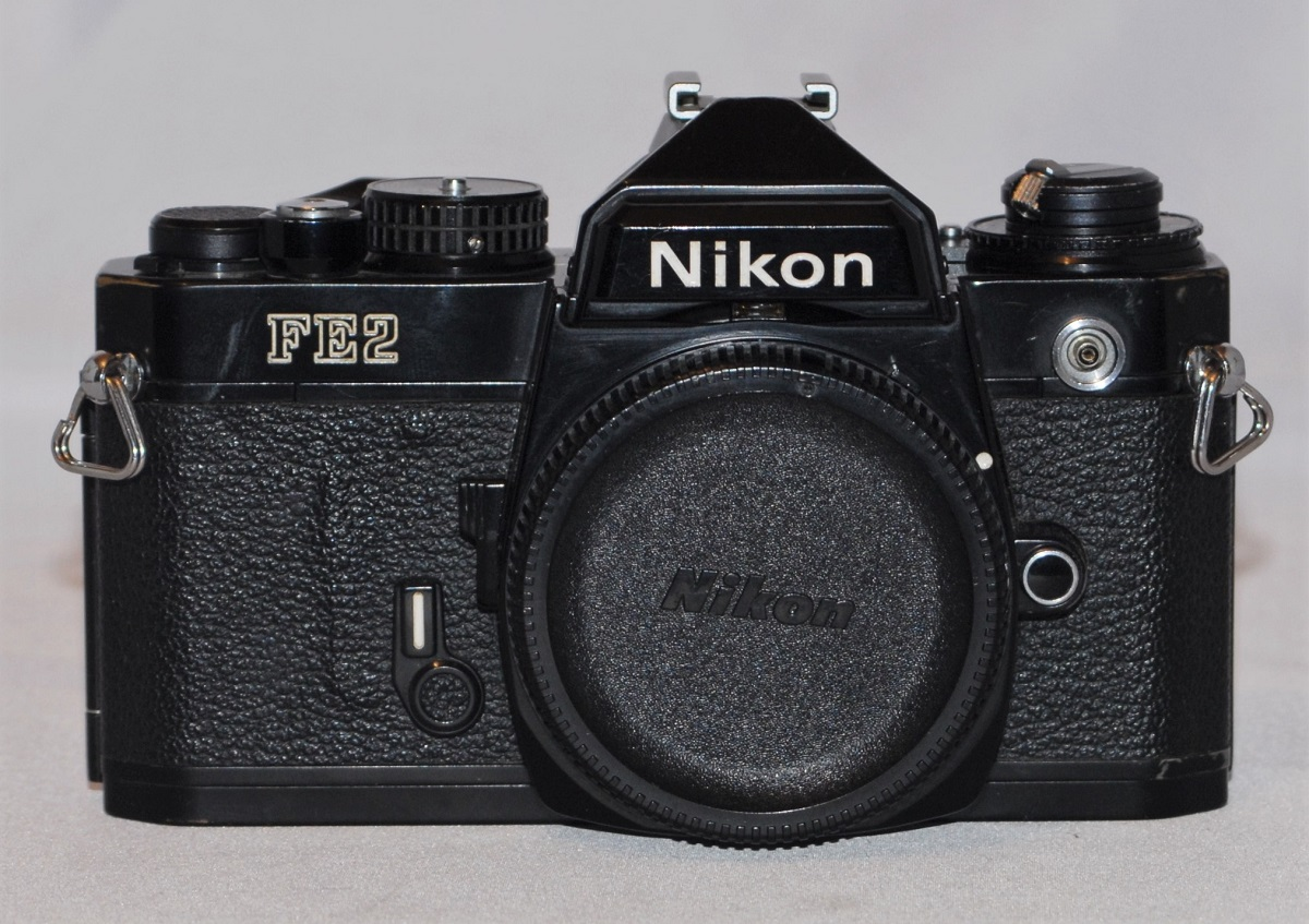 Nikon FE2 black. Excellent condition. (SOLD)