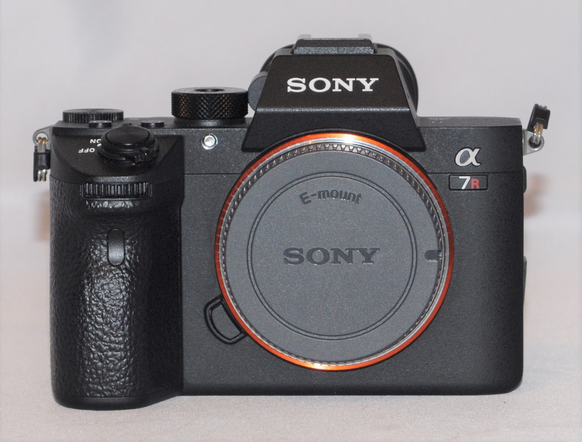 Sony A7R III. Near mint condition. -SOLD
